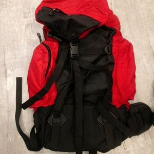 Marlboro Bags - NWT Marlboro Hiking Backpack!!!!!!
